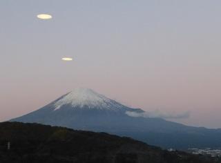 富士山上空iUFO出現.jpg