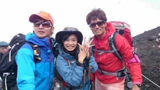 小島瑠璃子 富士登山.jpg