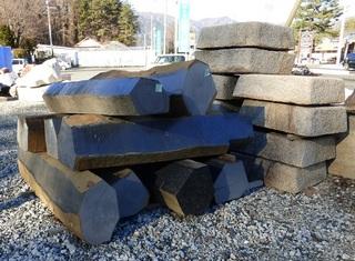 玄武岩の六角柱2.jpg